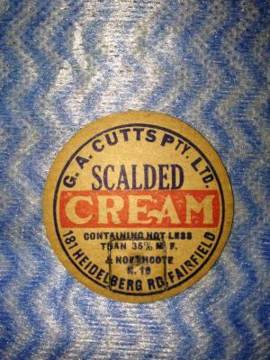 Scaled Cream Milk Bottle Top Stopper