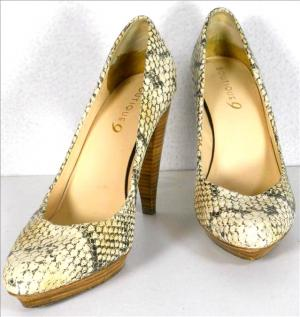 BOUTIQUE 9 snake heels, small platforms - sz.7,5