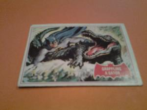 1966 BATMAN BUBBLE GUM CARD RED  2 A