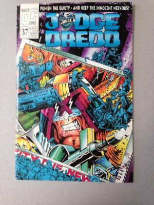 Judge Dredd Comic Issue 37