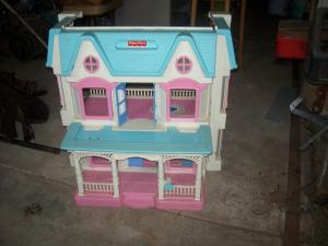 Fisher Price Fold up Dolls house